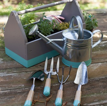 How to Choose the Best Tools for Organic Gardening